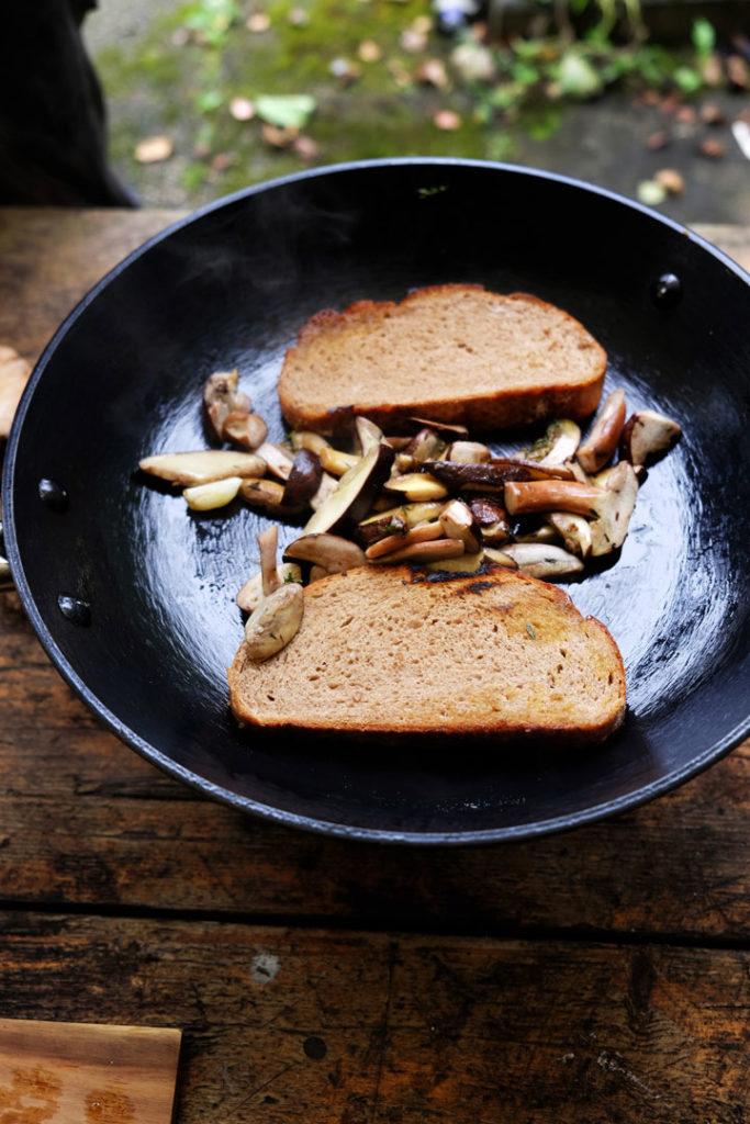 Pilze-Brot-anrösten | stadtlandflow